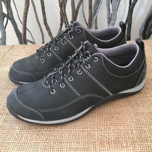 L.L. Bean Beansport Lace-Up Leather Sport Shoes